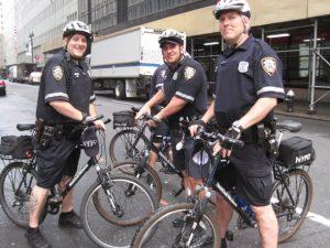 Policiers à vélo à New York